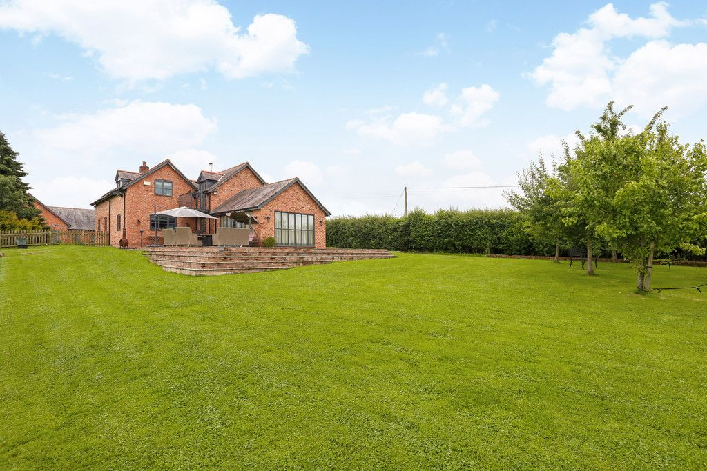 4 bed house for sale in Breaden Heath, Shropshire  - Property Image 16