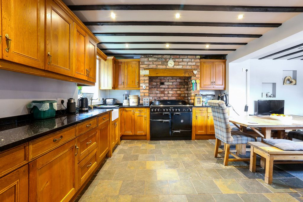4 bed house for sale in Breaden Heath, Shropshire  - Property Image 4