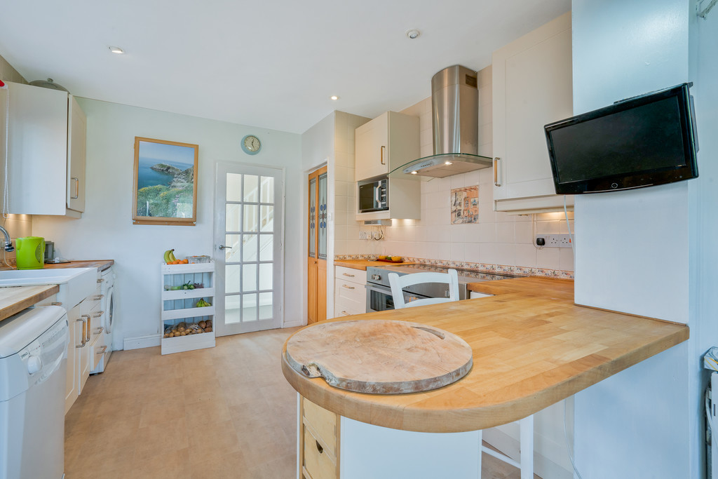 3 bed  for sale in Whitegate, Cheshire  - Property Image 5