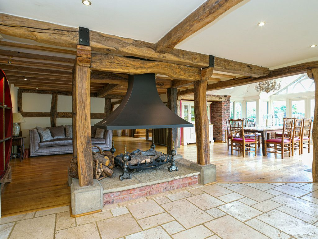 5 bed  for sale in Bangor-on-dee, Wrexham  - Property Image 8