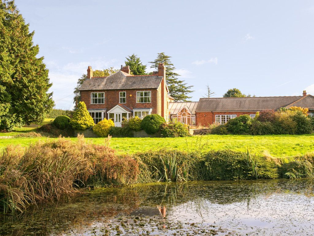 6 bed house for sale in Whitchurch, Shropshire  - Property Image 2