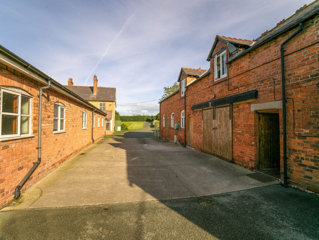 6 bed house for sale in Whitchurch, Shropshire 21