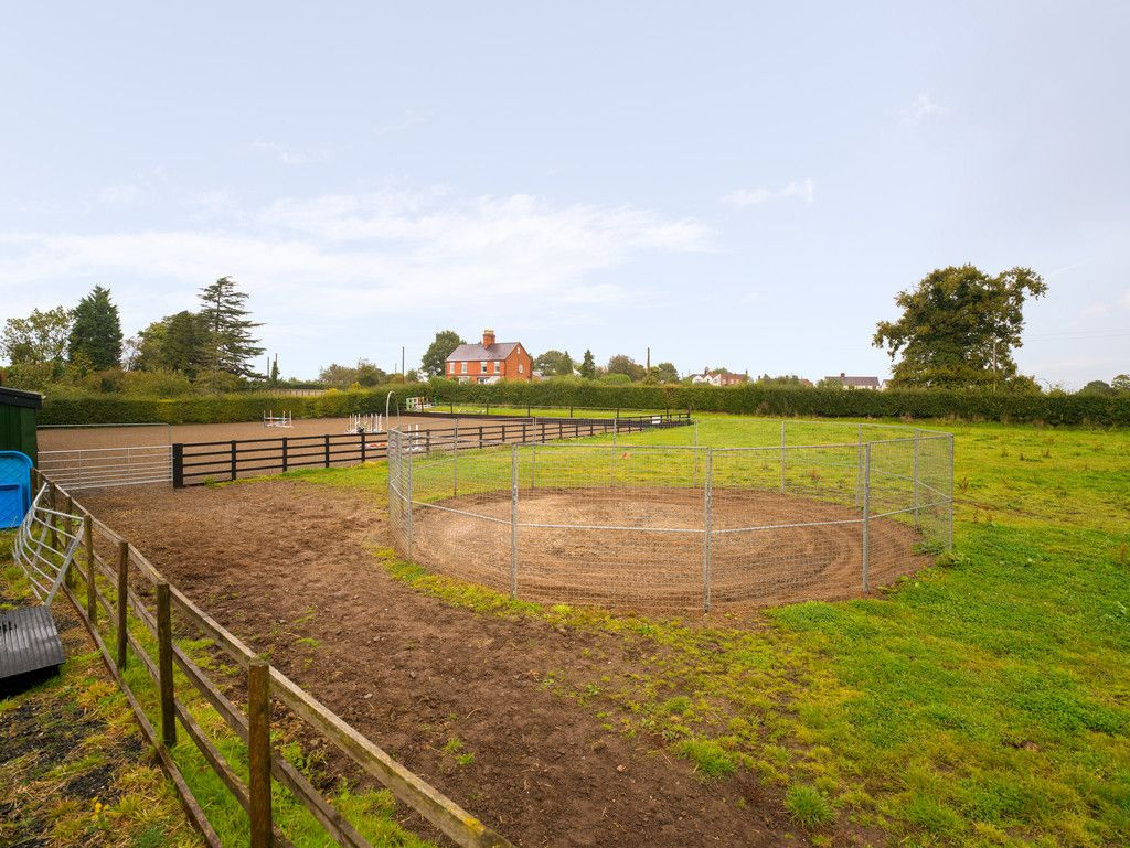 6 bed house for sale in Whitchurch, Shropshire  - Property Image 28