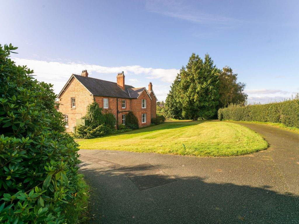 6 bed house for sale in Whitchurch, Shropshire 4