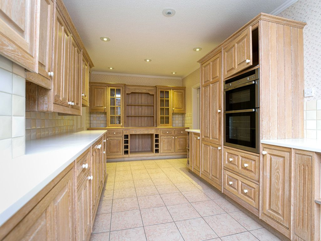 6 bed house for sale in Whitchurch, Shropshire 6