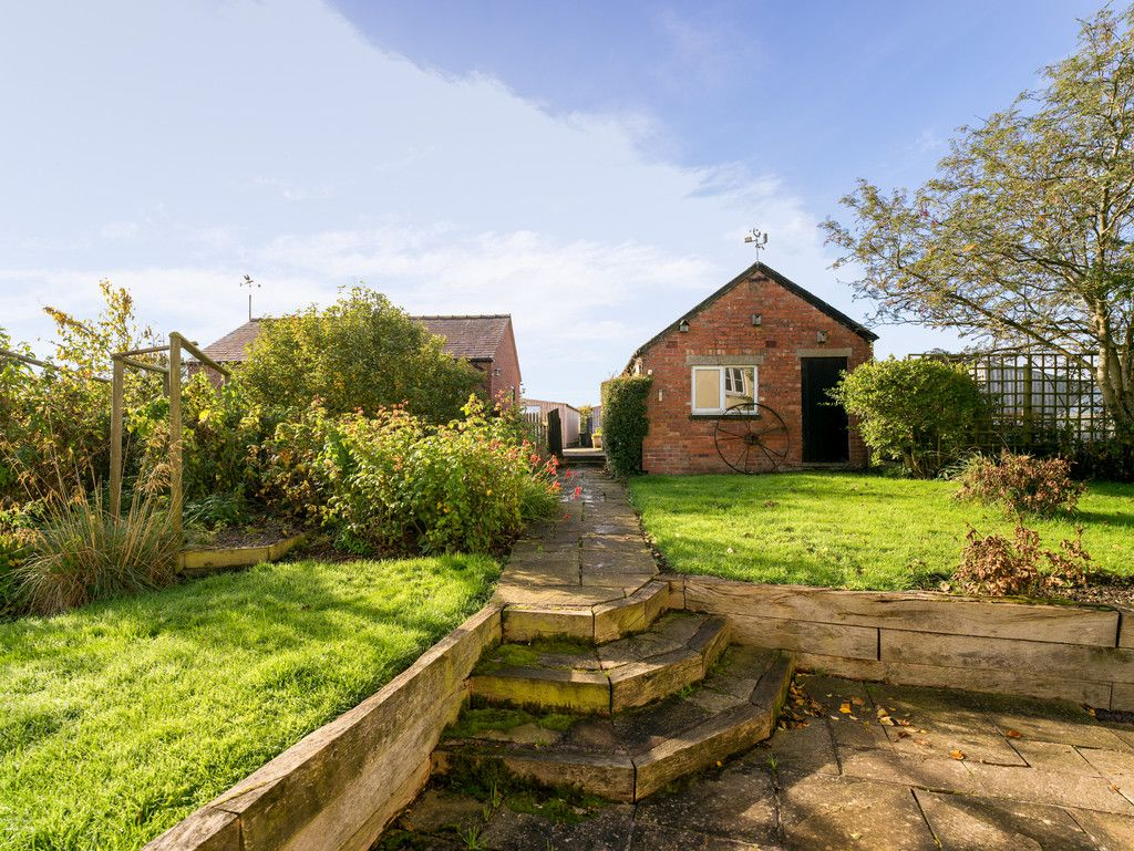 4 bed house for sale  - Property Image 17