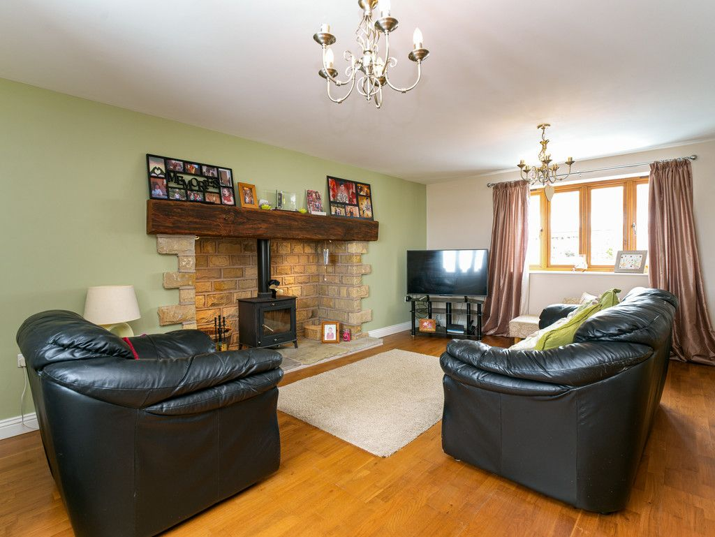 3 bed house for sale in Marple, Cheshire 6