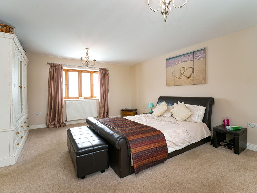 3 bed house for sale in Marple, Cheshire 8