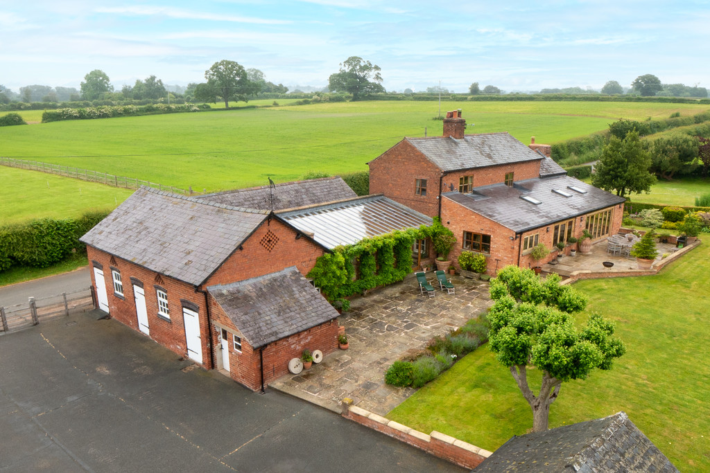 4 bed house for sale in Black Lion Farm, Malpas, Cheshire, SY14, SY14