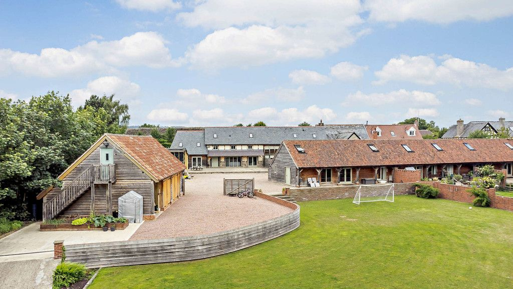 7 bed house for sale in Courtyard Barn, Winforton, Herefordshire, HR3 , HR3