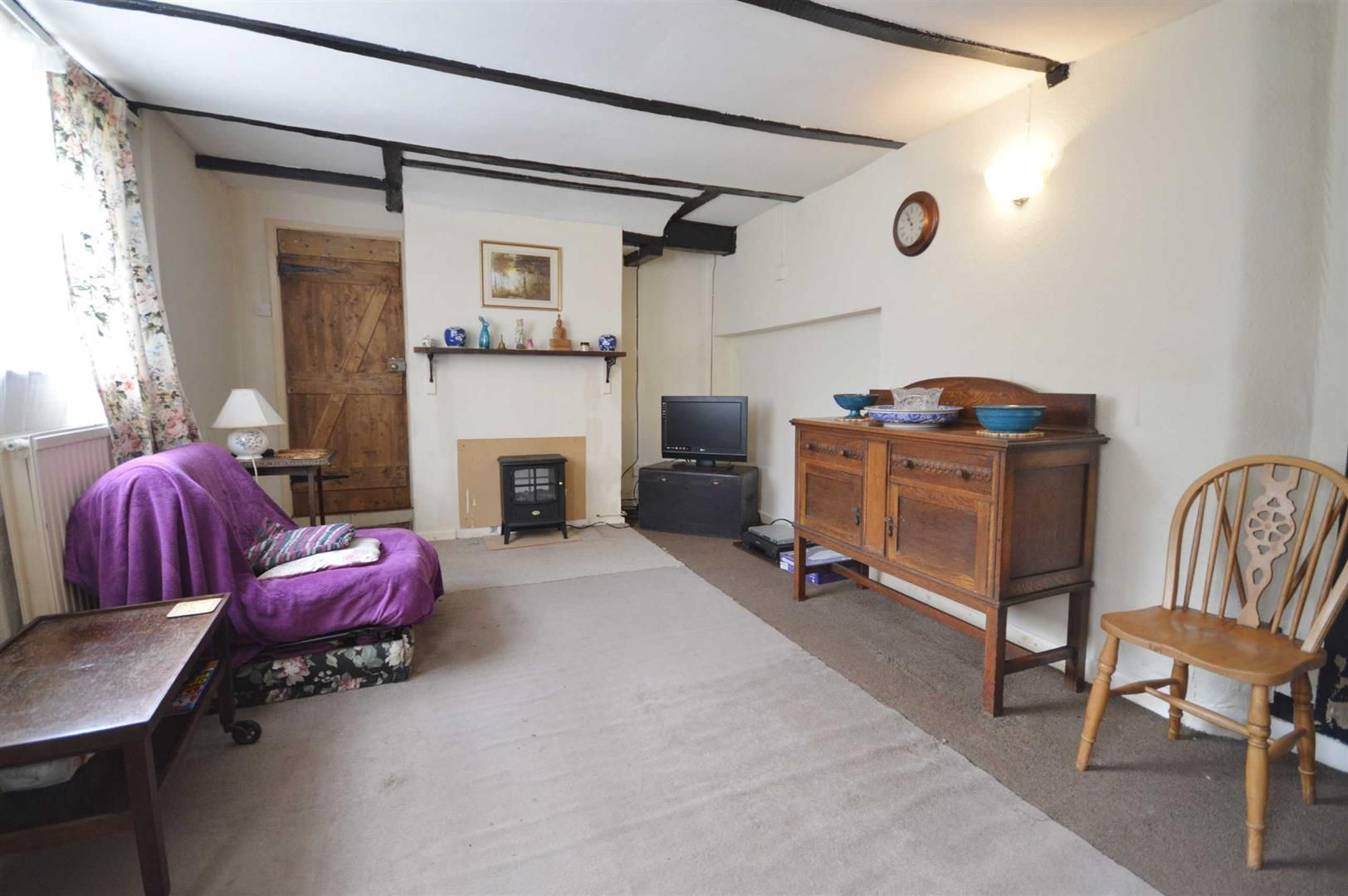 3 bed cottage for sale in Leominster 2