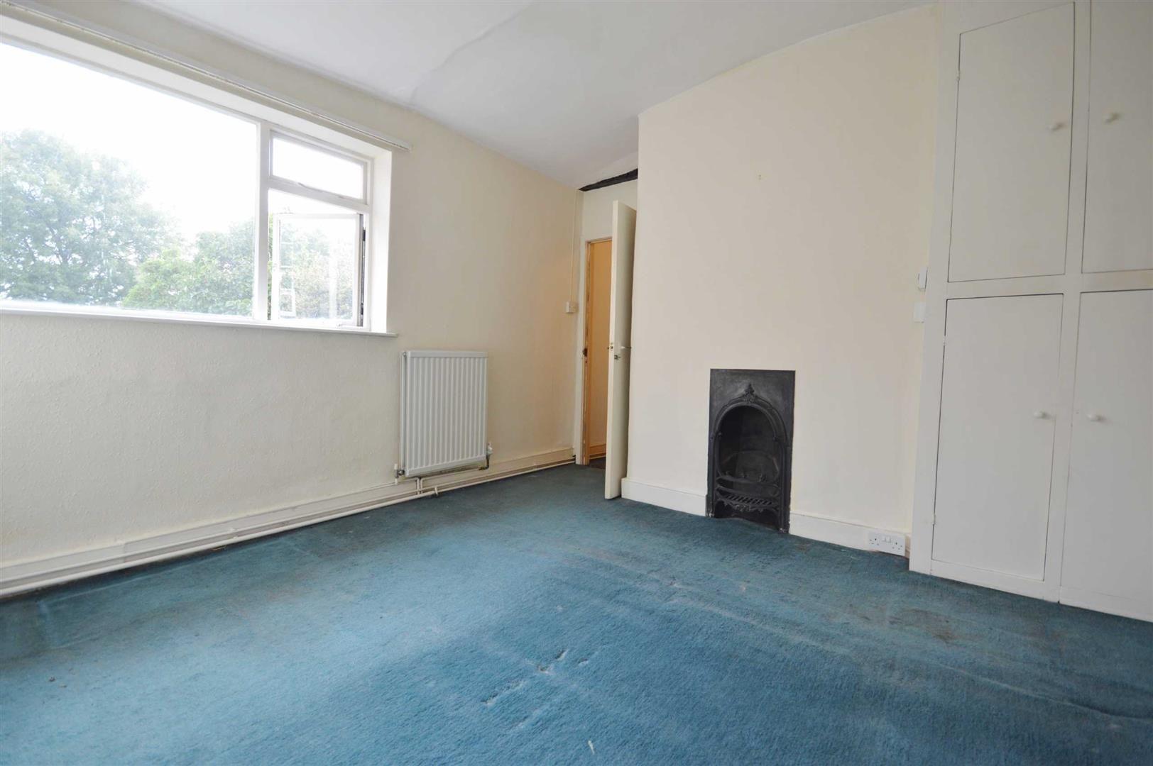 3 bed cottage for sale in Leominster 6