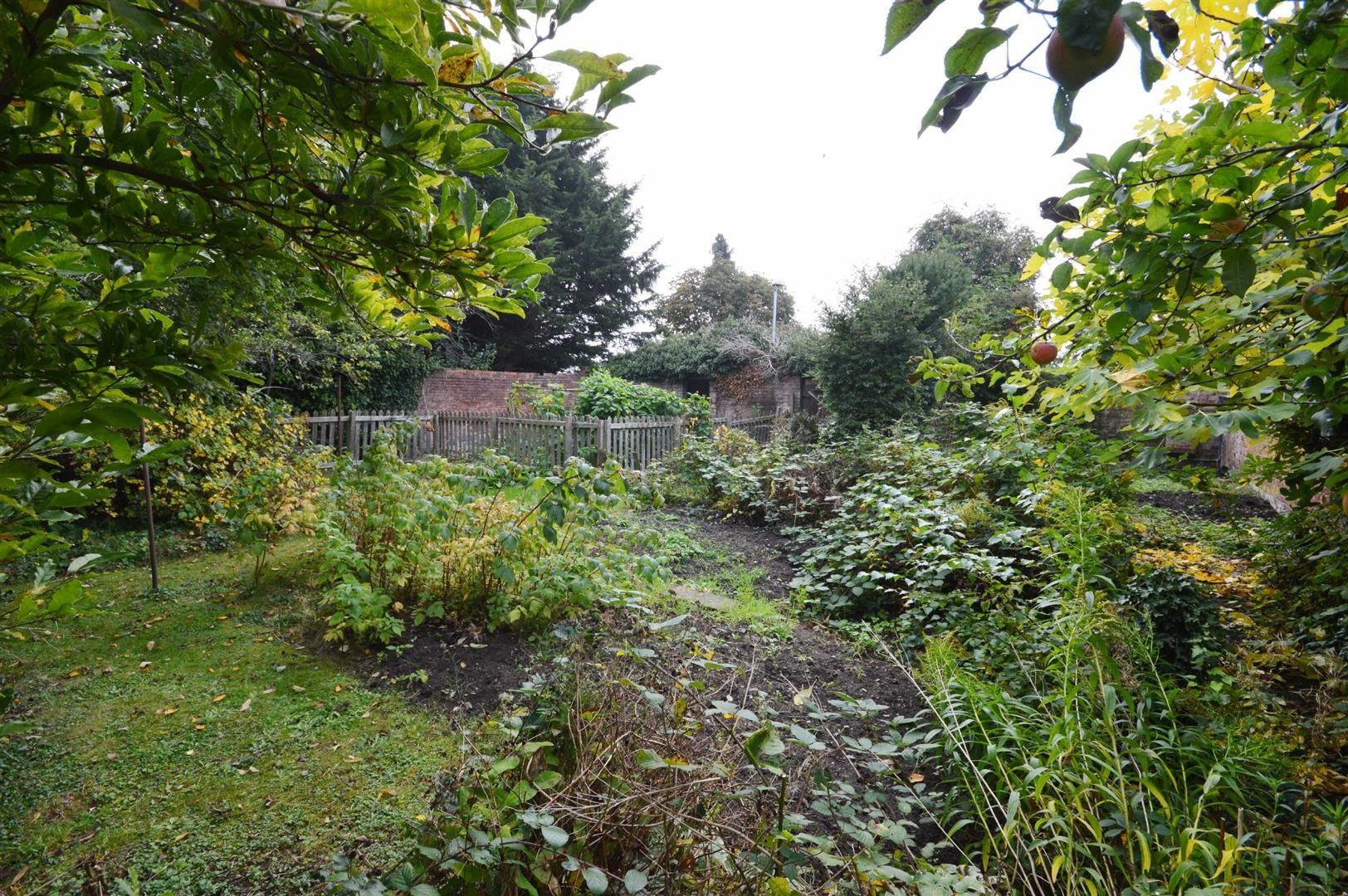 3 bed cottage for sale in Leominster 7