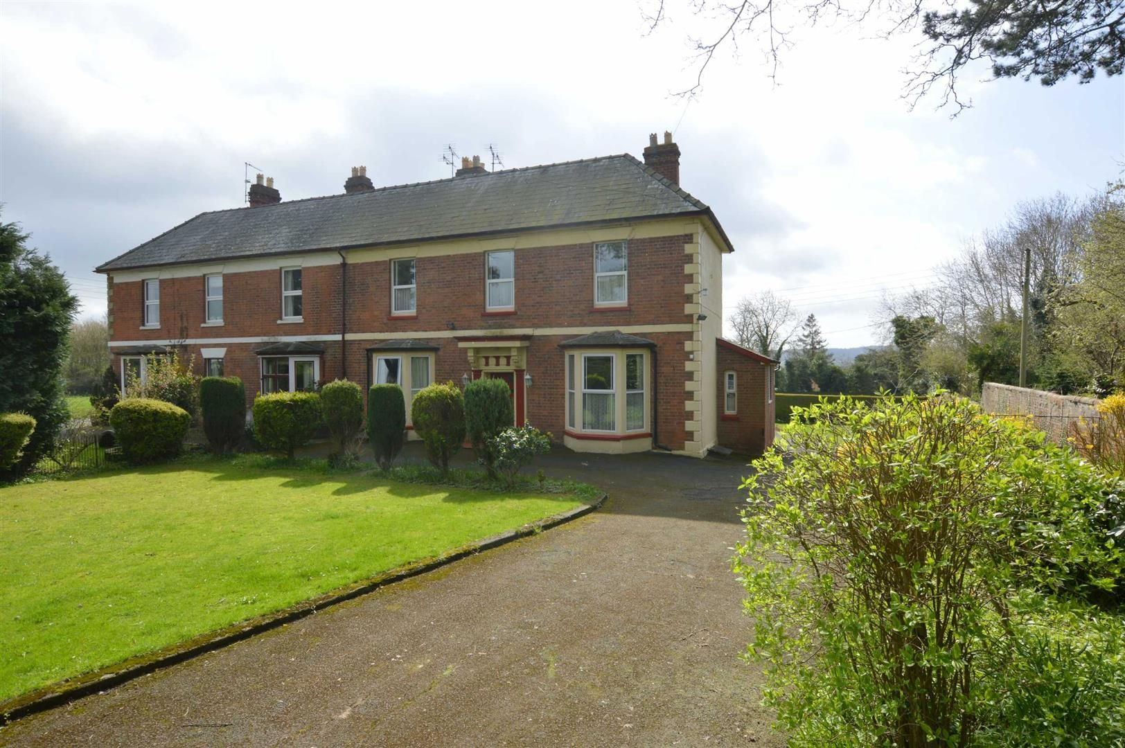 6 bed semi-detached for sale in Leominster, HR6