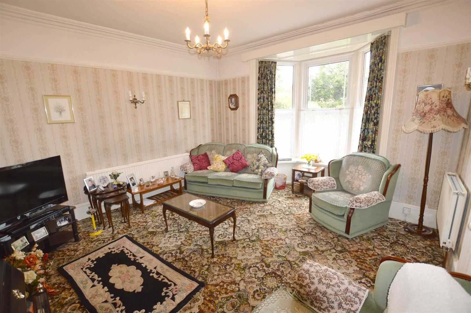 6 bed semi-detached for sale in Leominster  - Property Image 3