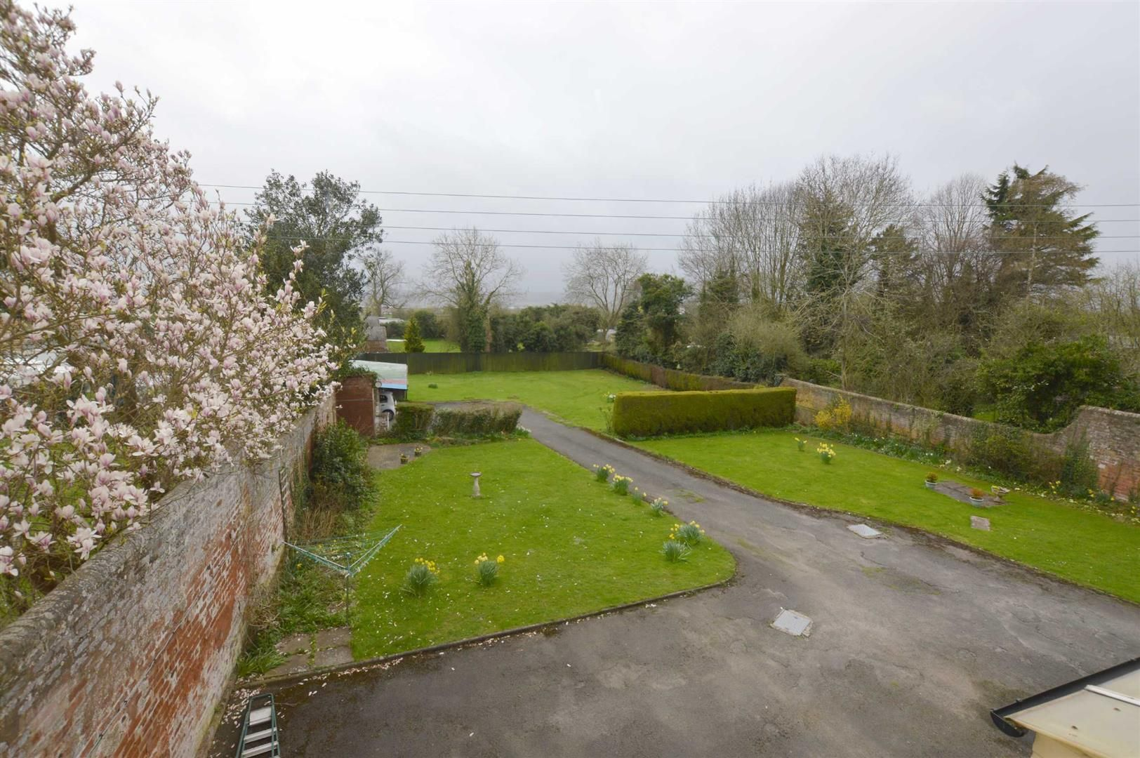 6 bed semi-detached for sale in Leominster 9