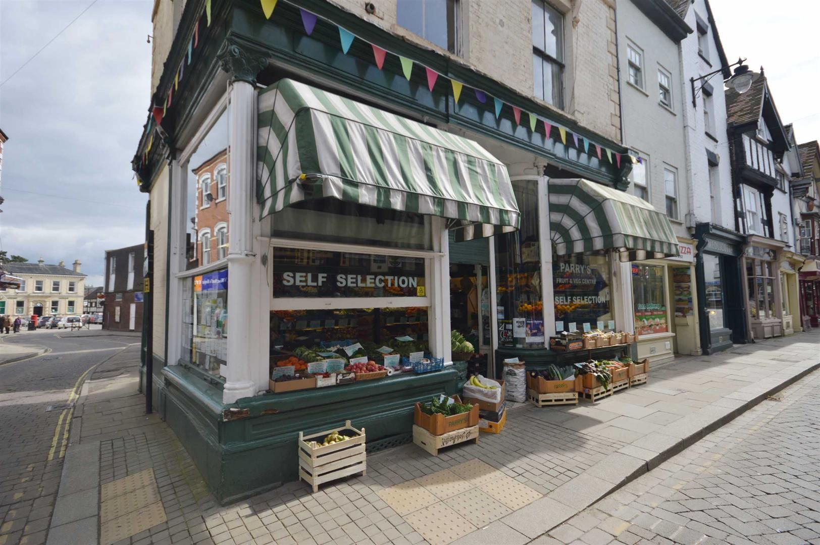 3 bed  for sale in Leominster 2