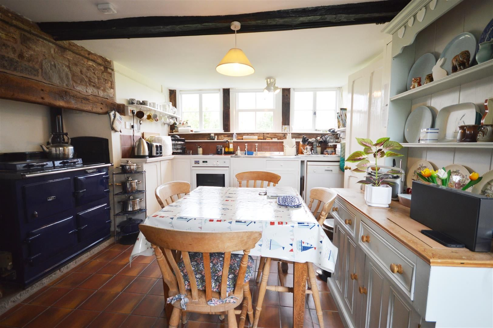 4 bed house for sale in Monkland  - Property Image 2