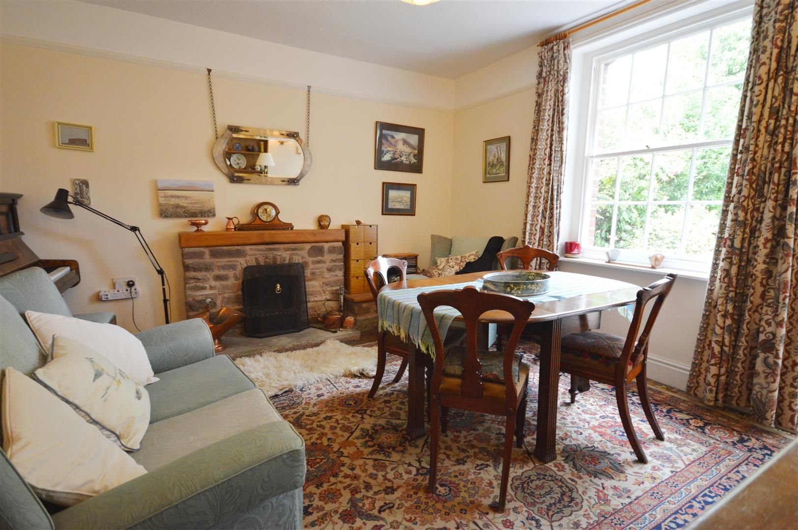 4 bed house for sale in Monkland  - Property Image 4