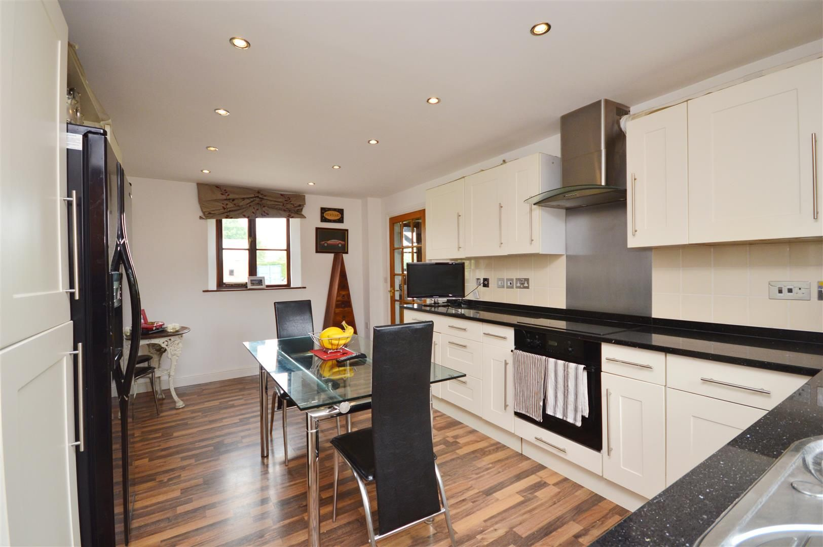 3 bed semi-detached for sale in Staunton-On-Wye 3