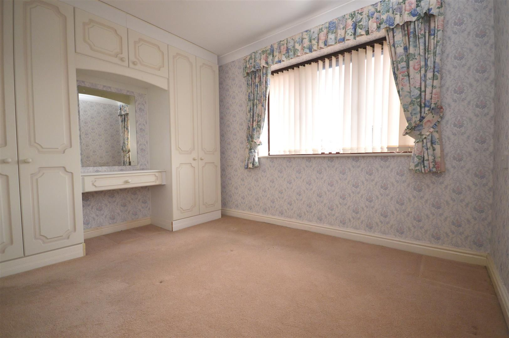 2 bed end of terrace for sale in Belmont 7