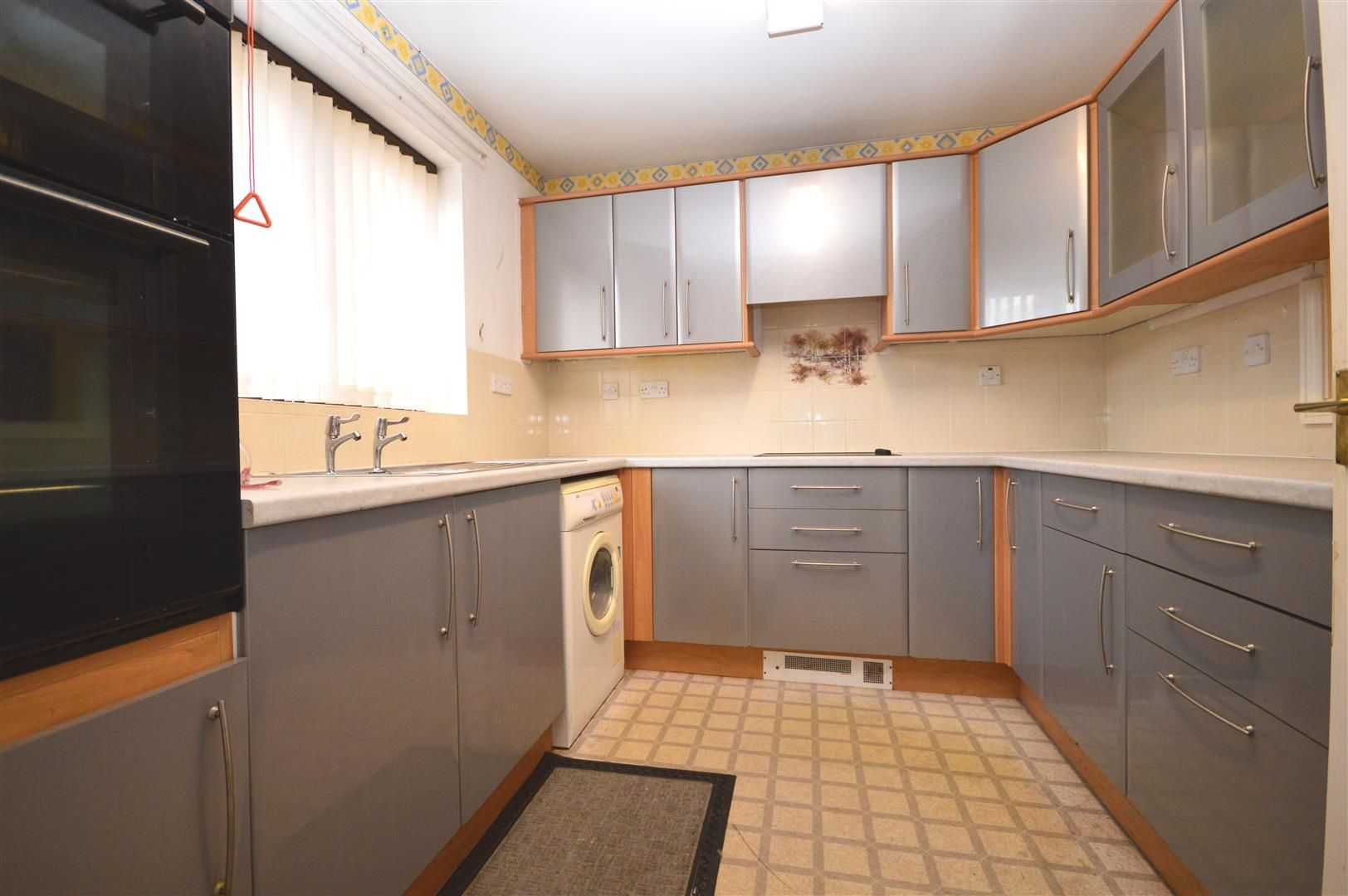 2 bed end of terrace for sale in Belmont 8
