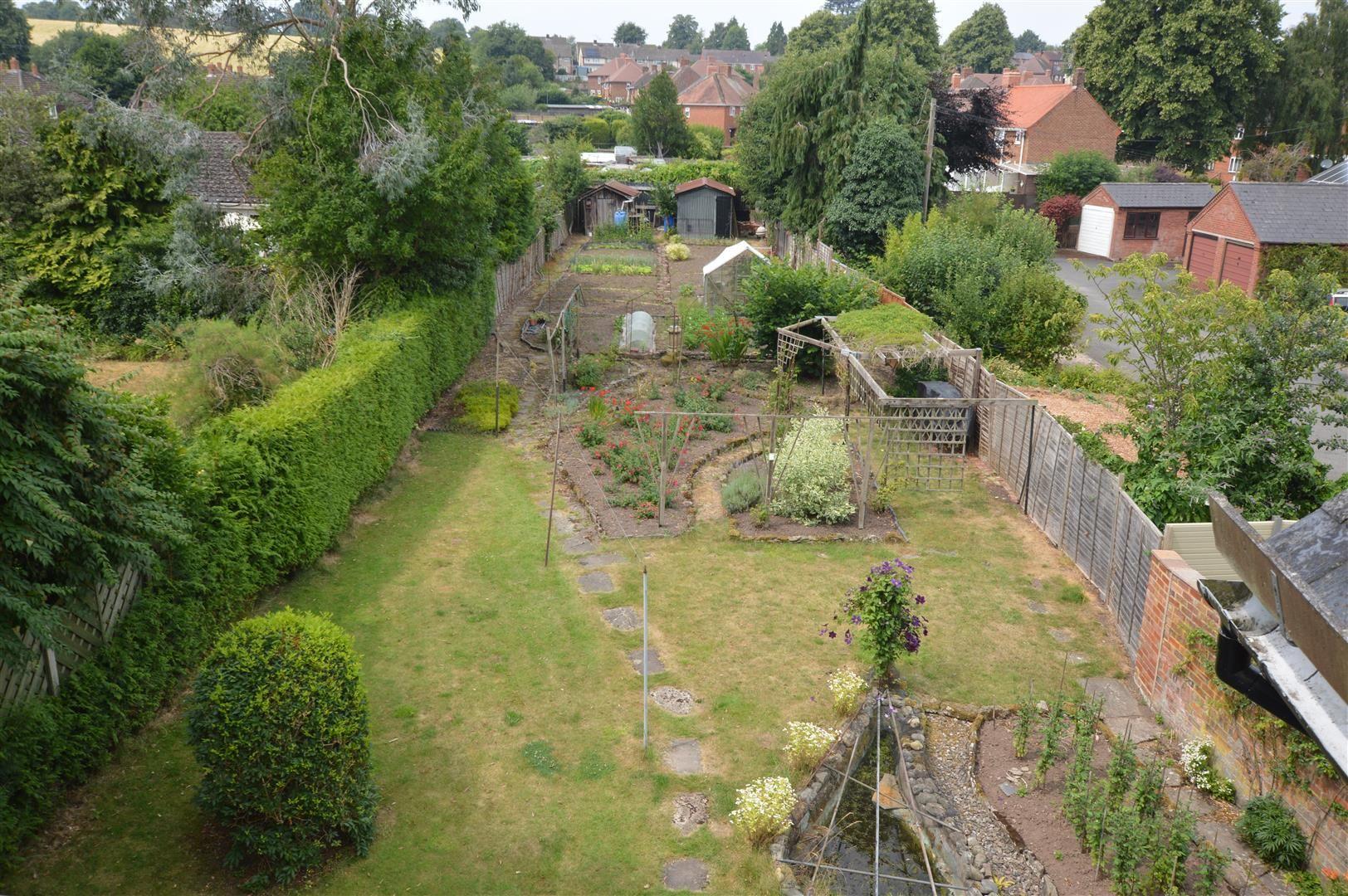 6 bed detached for sale in Leominster  - Property Image 11