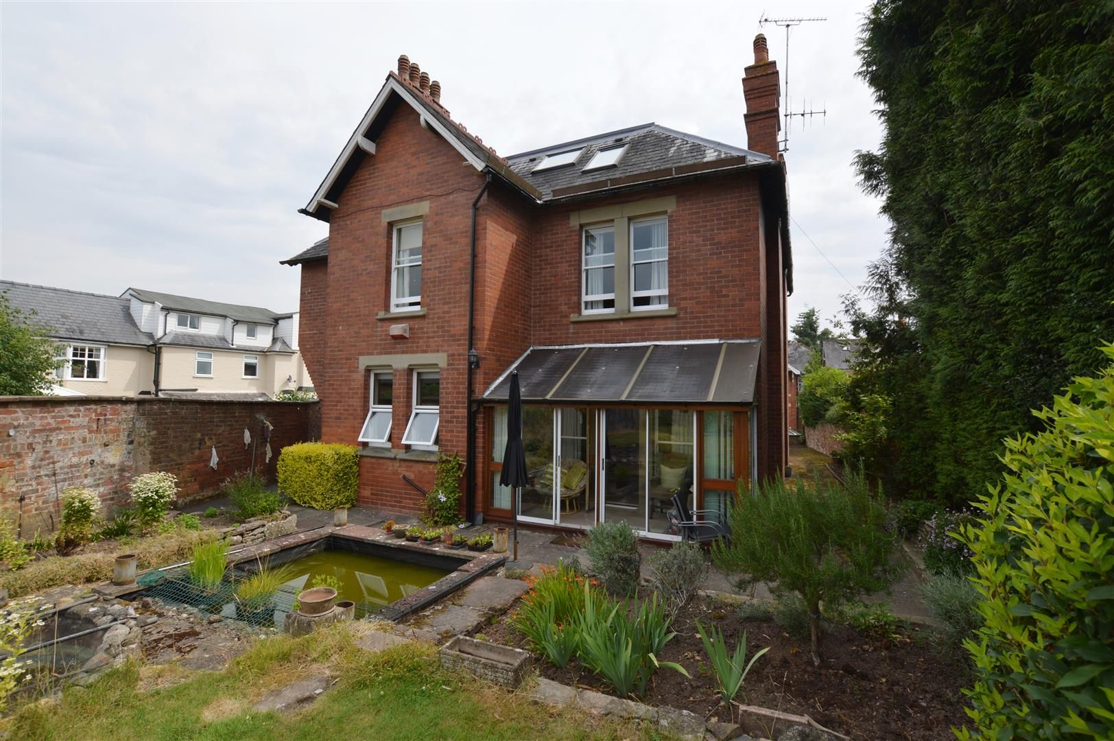 6 bed detached for sale in Leominster 13