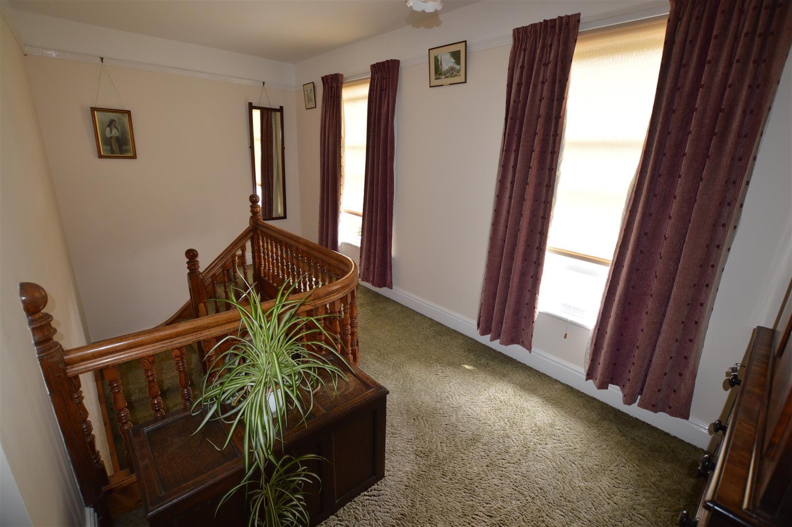 6 bed detached for sale in Leominster 5