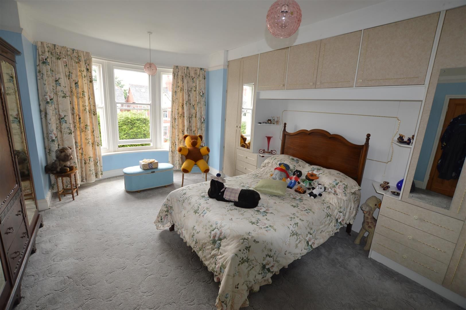 6 bed detached for sale in Leominster 6