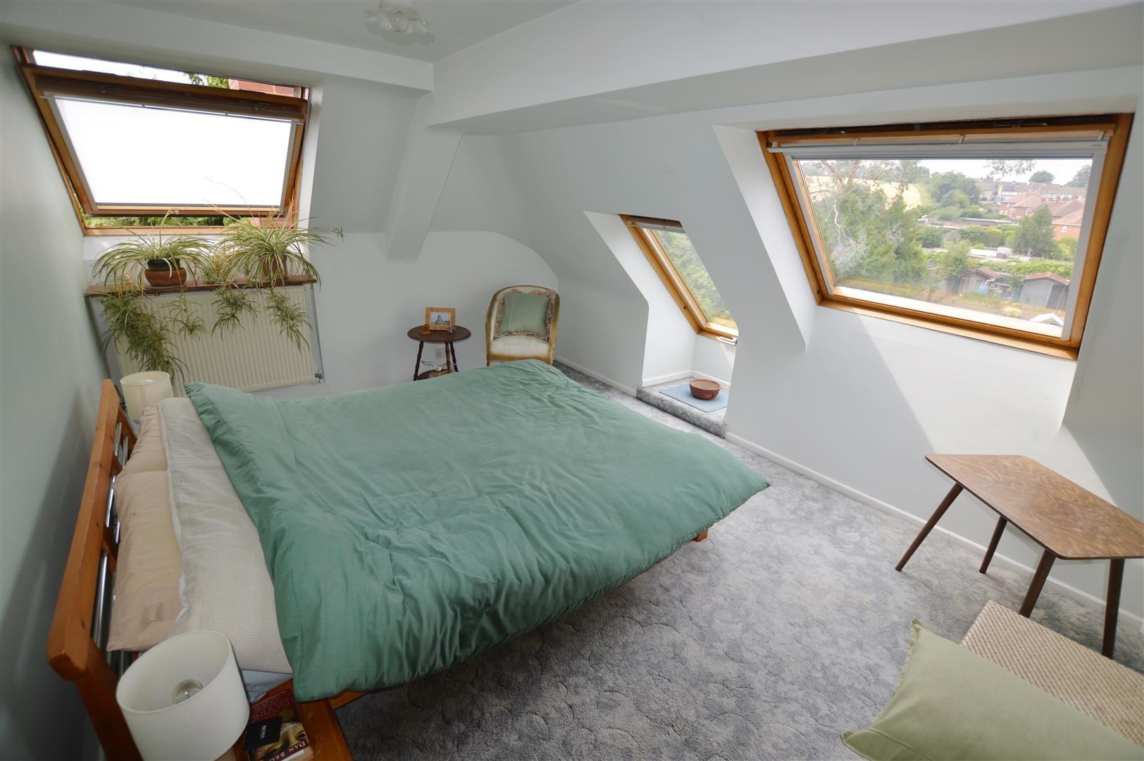 6 bed detached for sale in Leominster 8