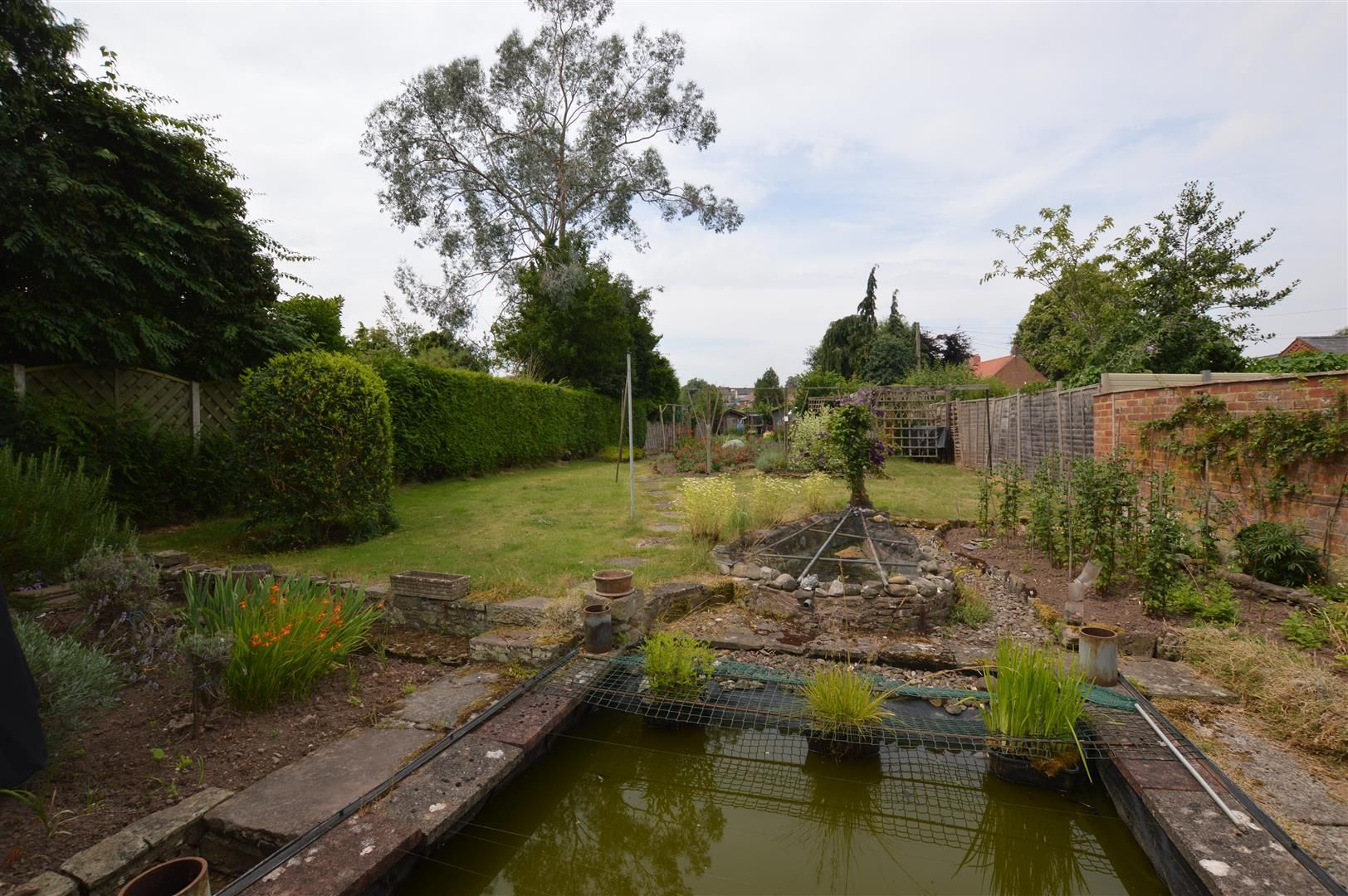 6 bed detached for sale in Leominster 10