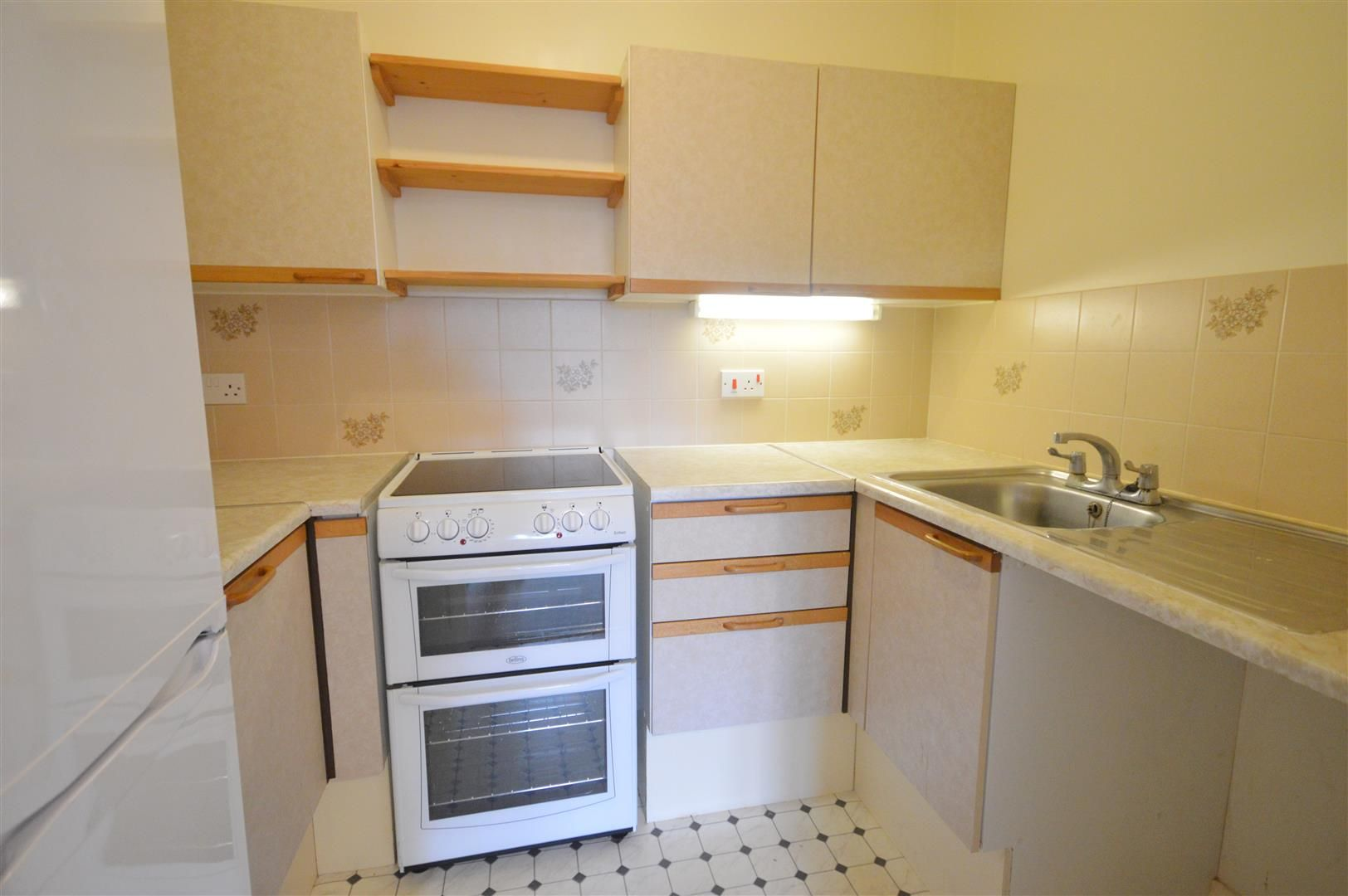 1 bed retirement property for sale in Leominster 2