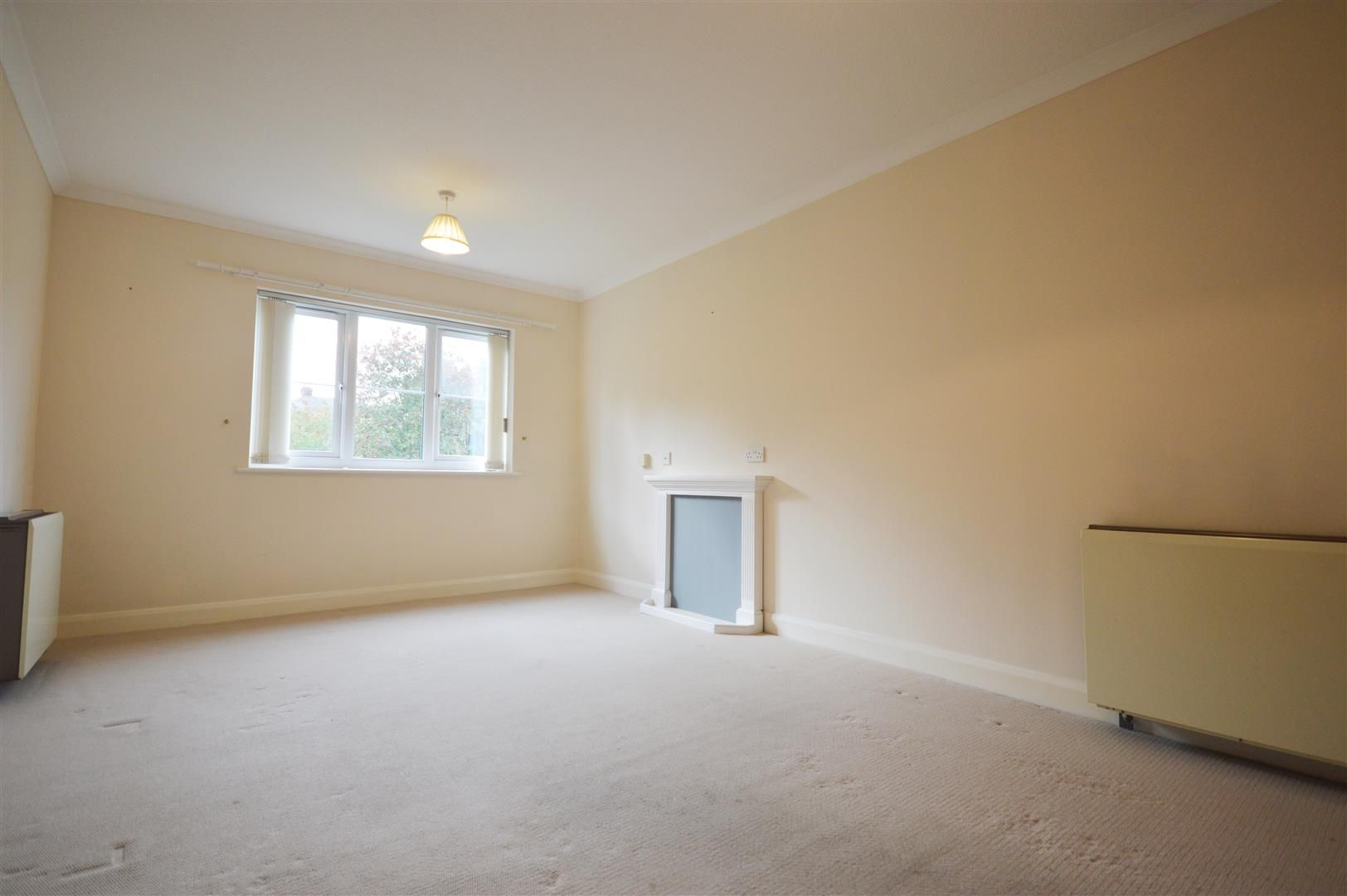 1 bed retirement property for sale in Leominster 3