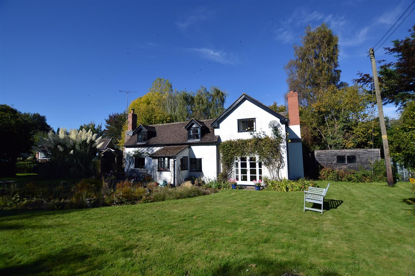 3 bed cottage for sale in Ledgemoor 1