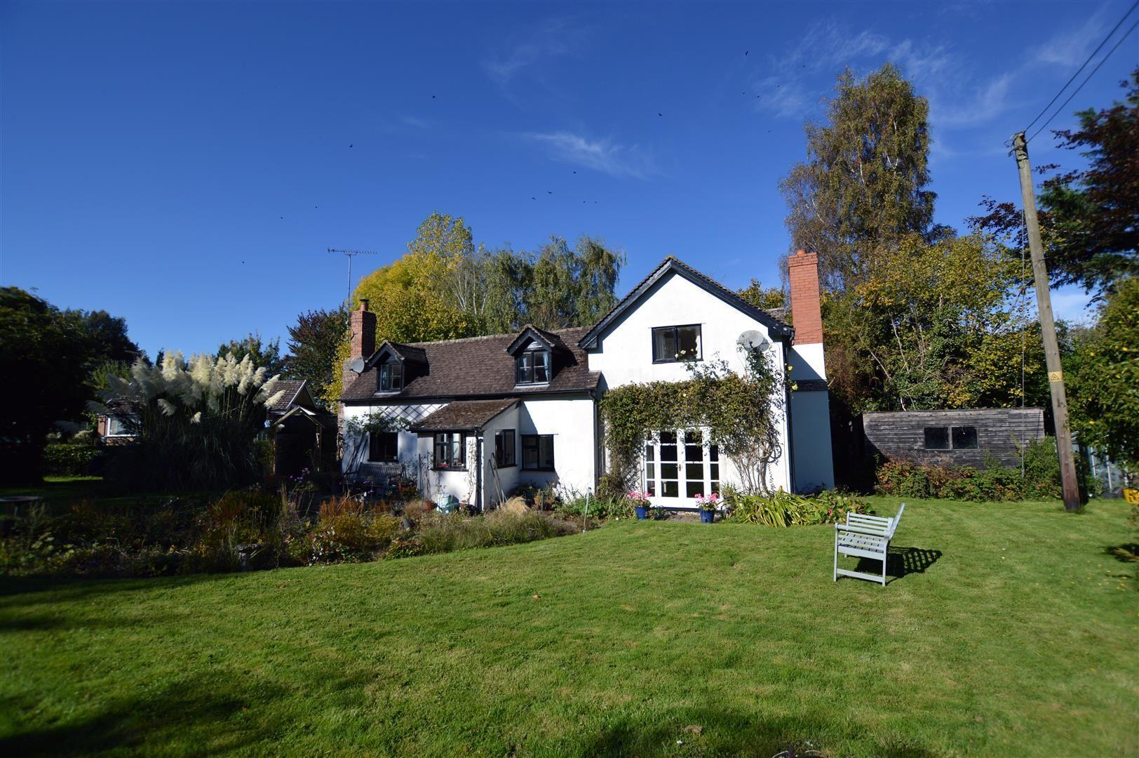 3 bed cottage for sale in Ledgemoor  - Property Image 1