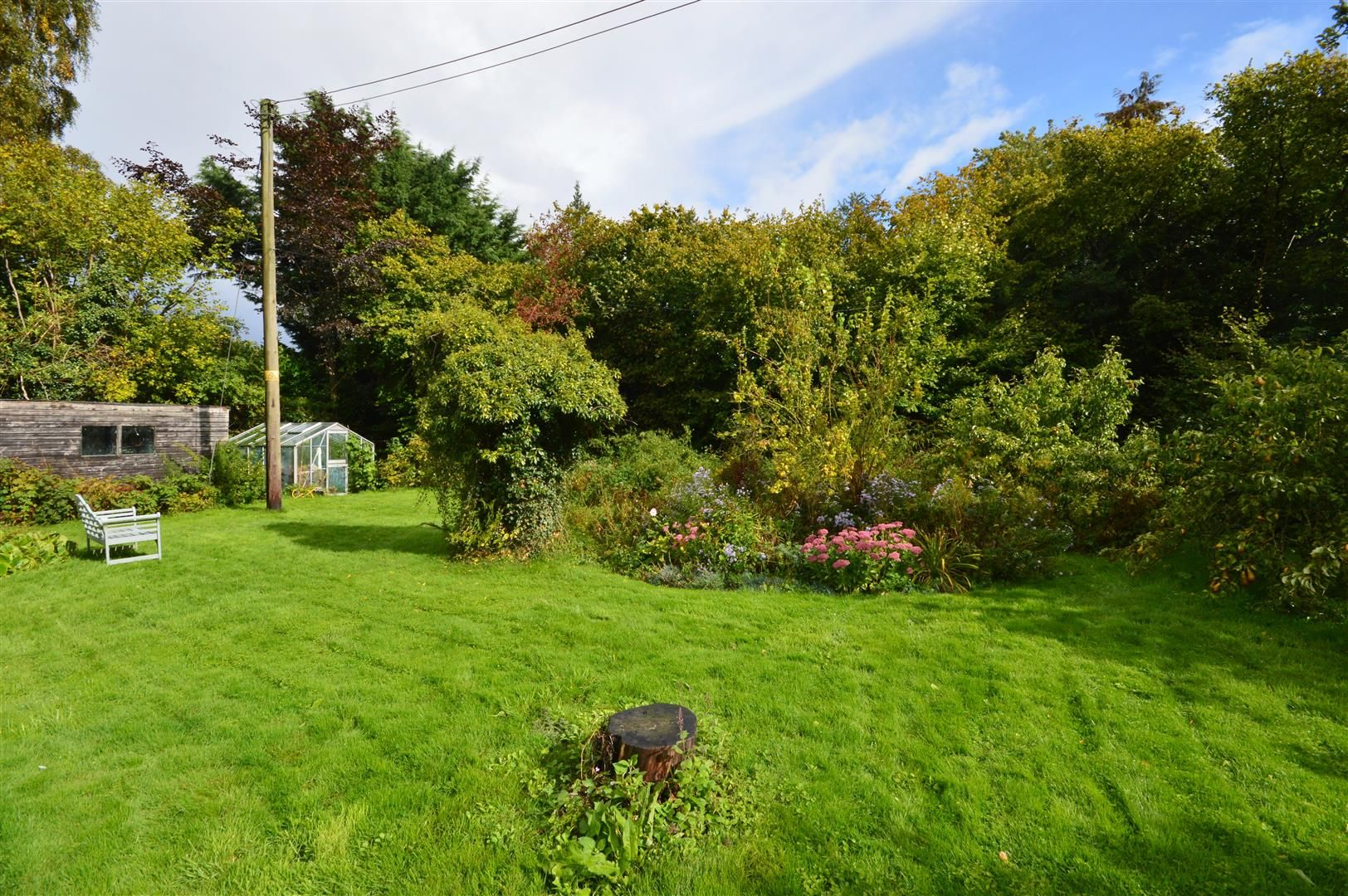 3 bed cottage for sale in Ledgemoor 10