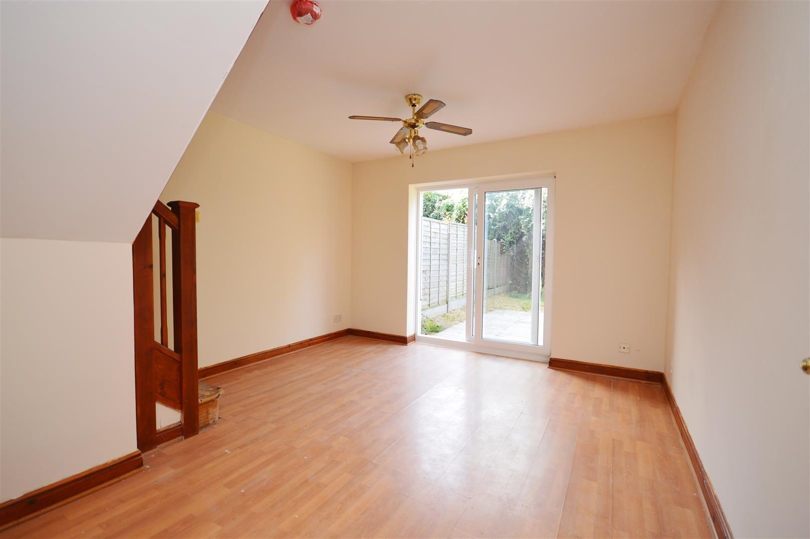 2 bed terraced for sale in Lower Bullingham 3
