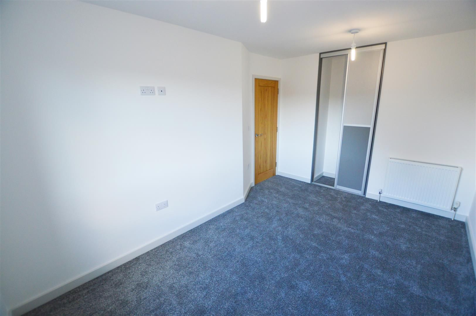 3 bed end-of-terrace for sale in Leominster 6