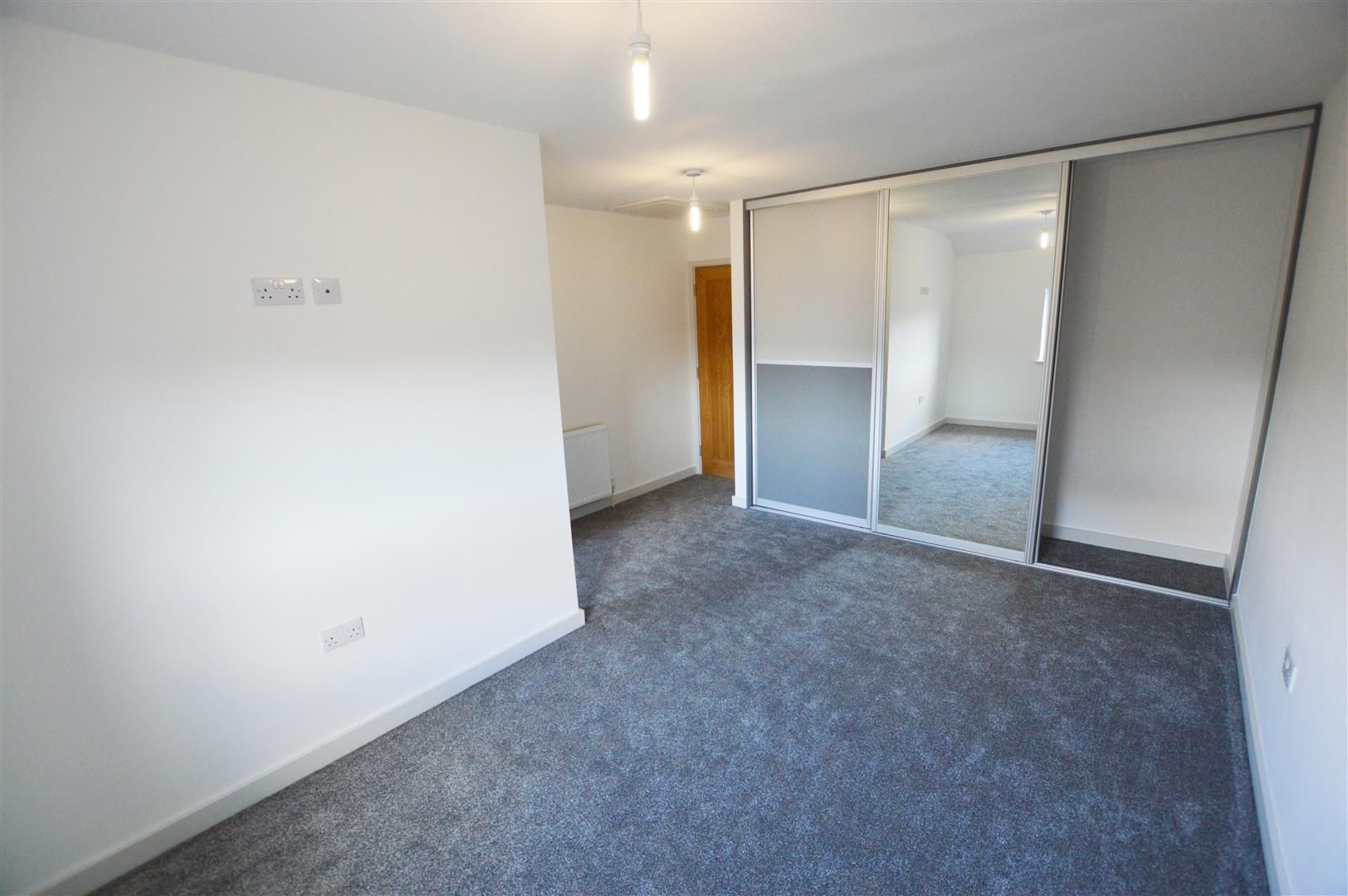 3 bed end of terrace for sale in Leominster 9