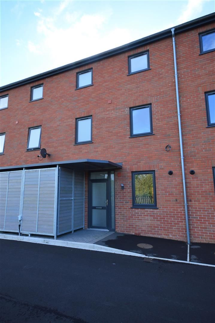 3 bed terraced for sale in Leominster 18