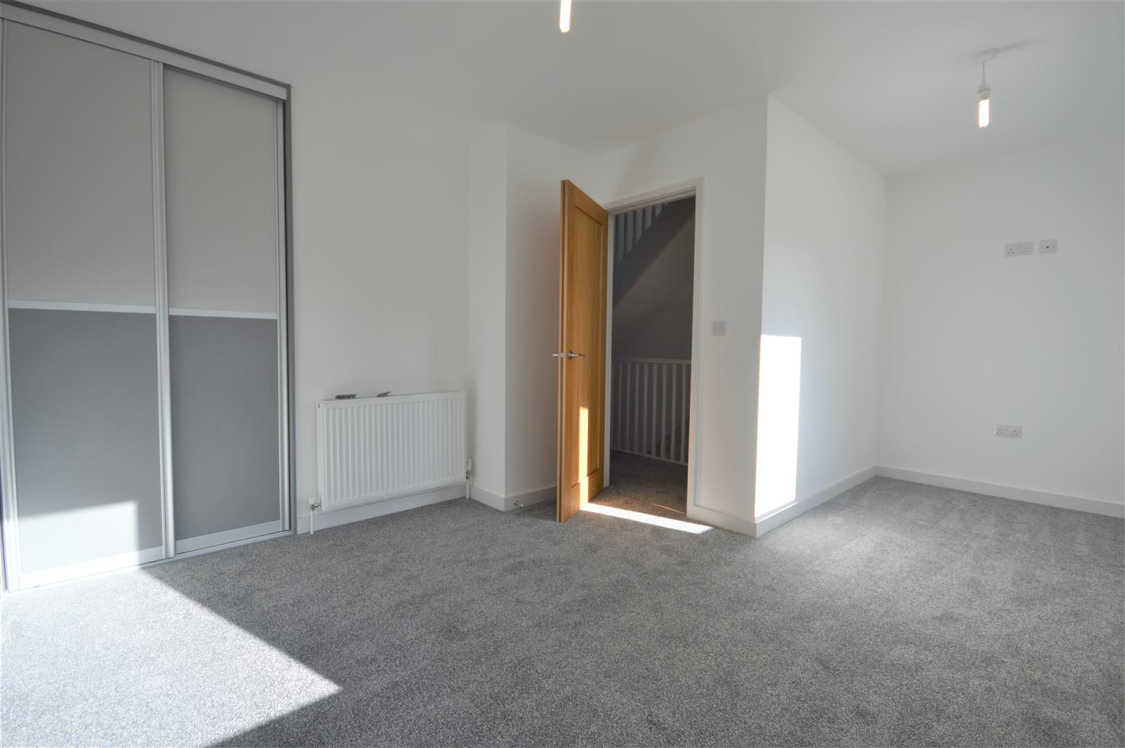 3 bed terraced for sale in Leominster 10