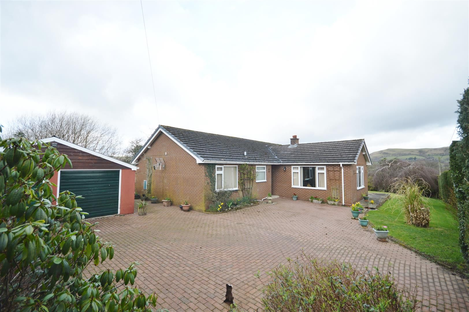3 bed detached-bungalow for sale in Llandrindod Wells - Property Image 1