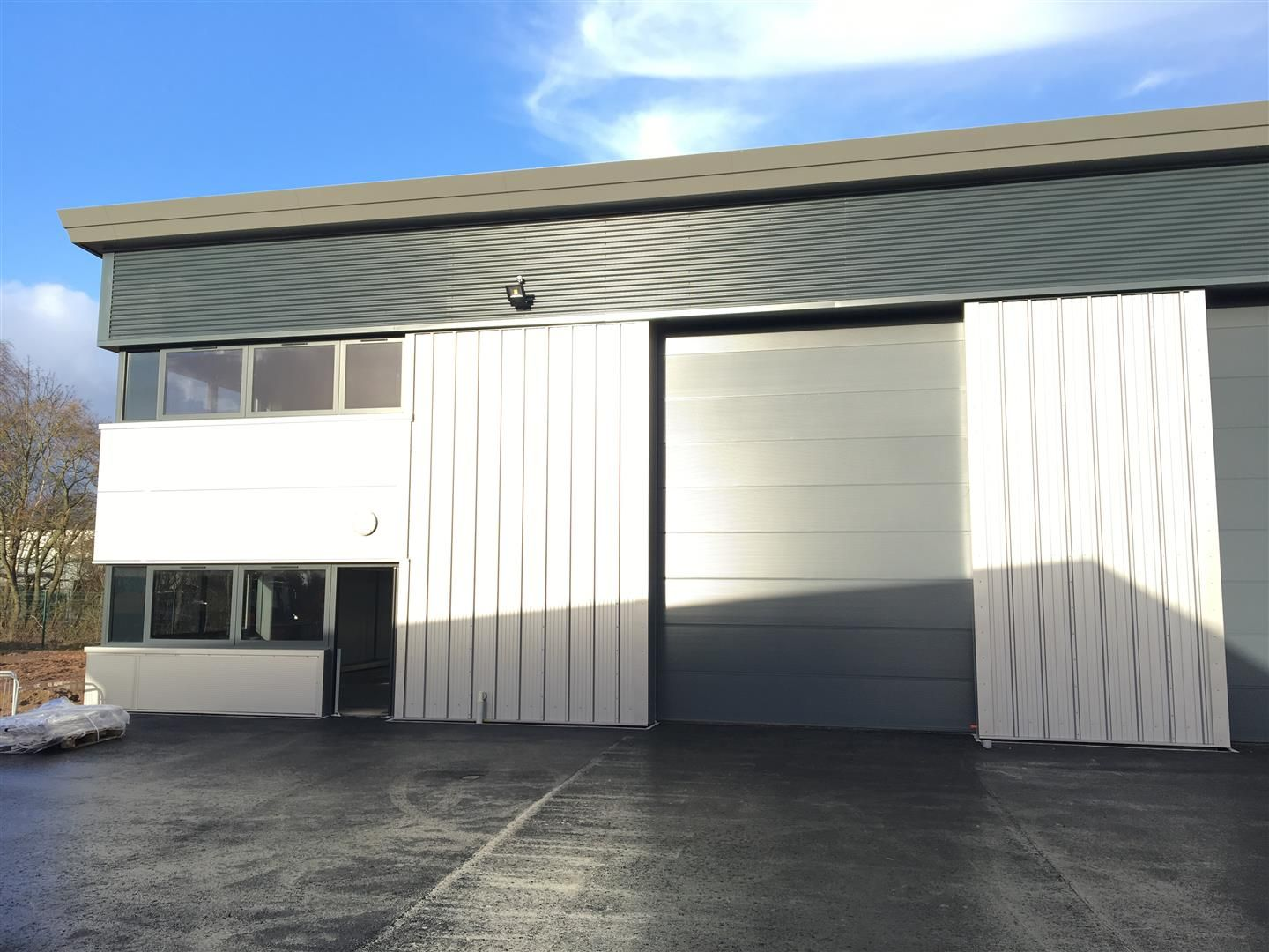 Warehouse for sale in Rotherwas 2