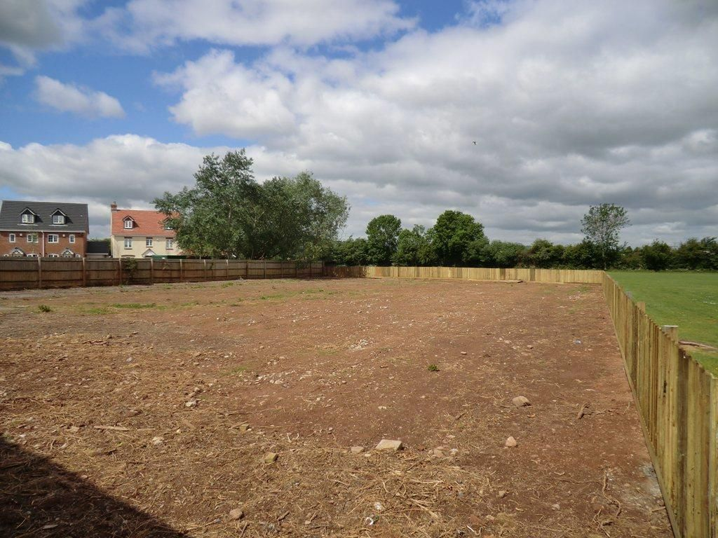 Plot for sale in Kingstone 3