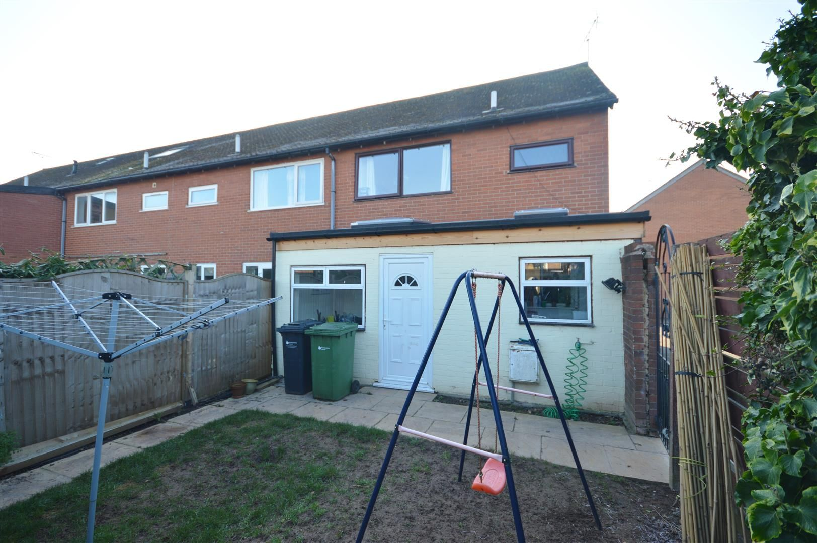 3 bed end-of-terrace for sale in Leominster 9