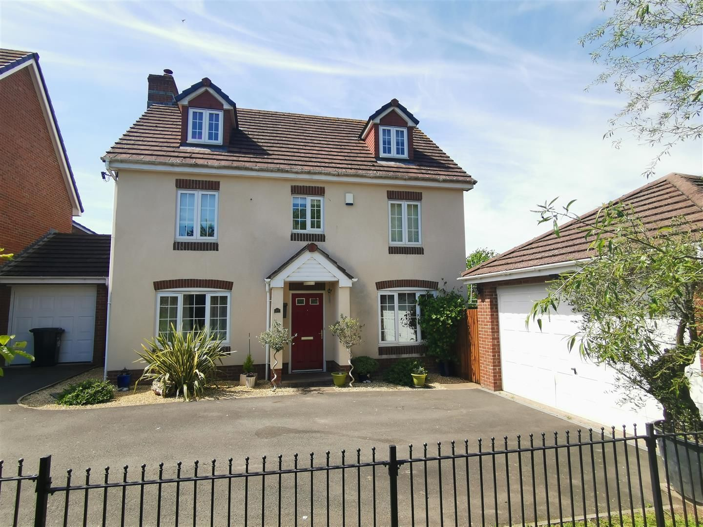 5 bed detached for sale in Kingstone, HR2
