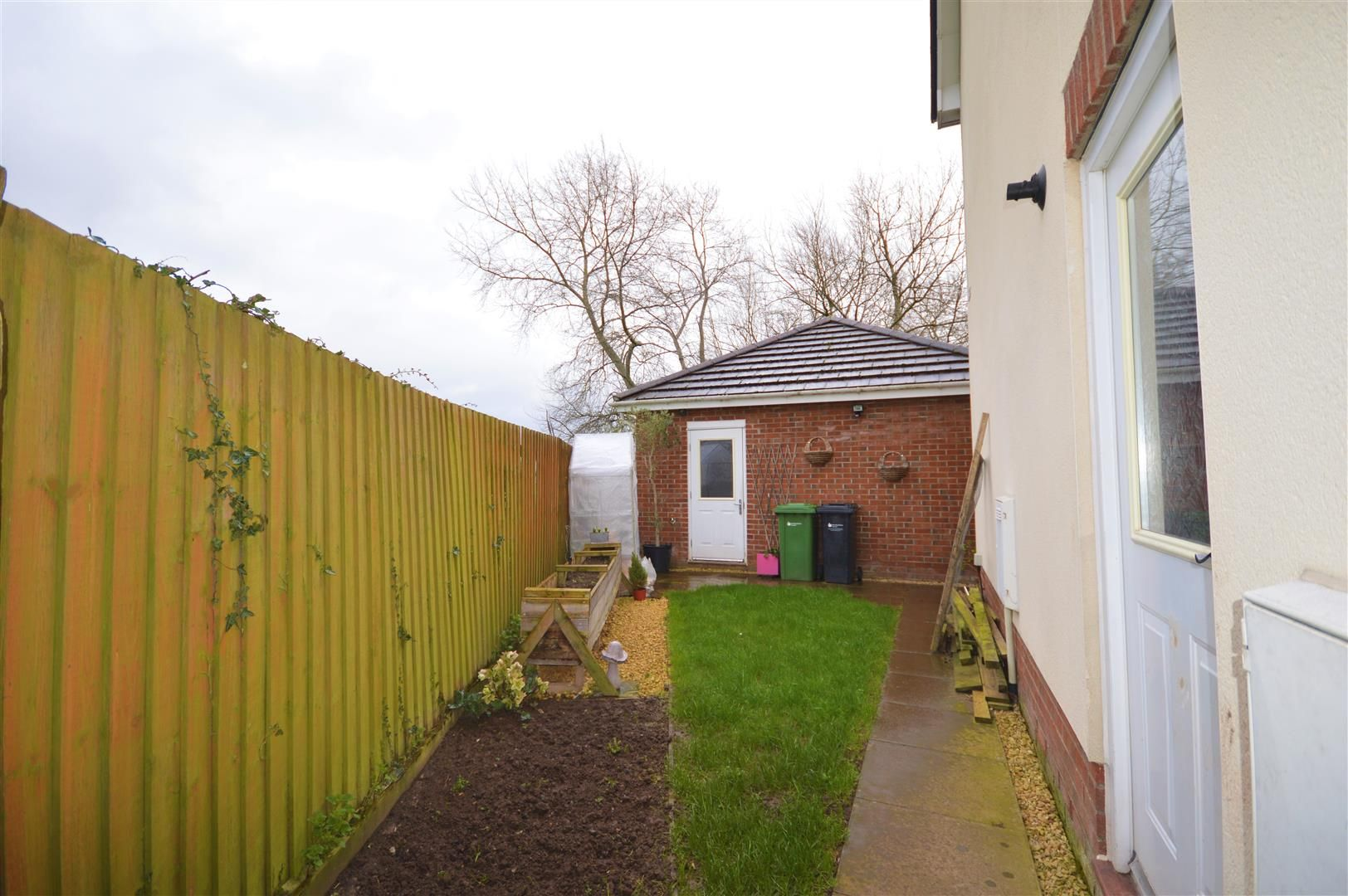 5 bed detached for sale in Kingstone 17