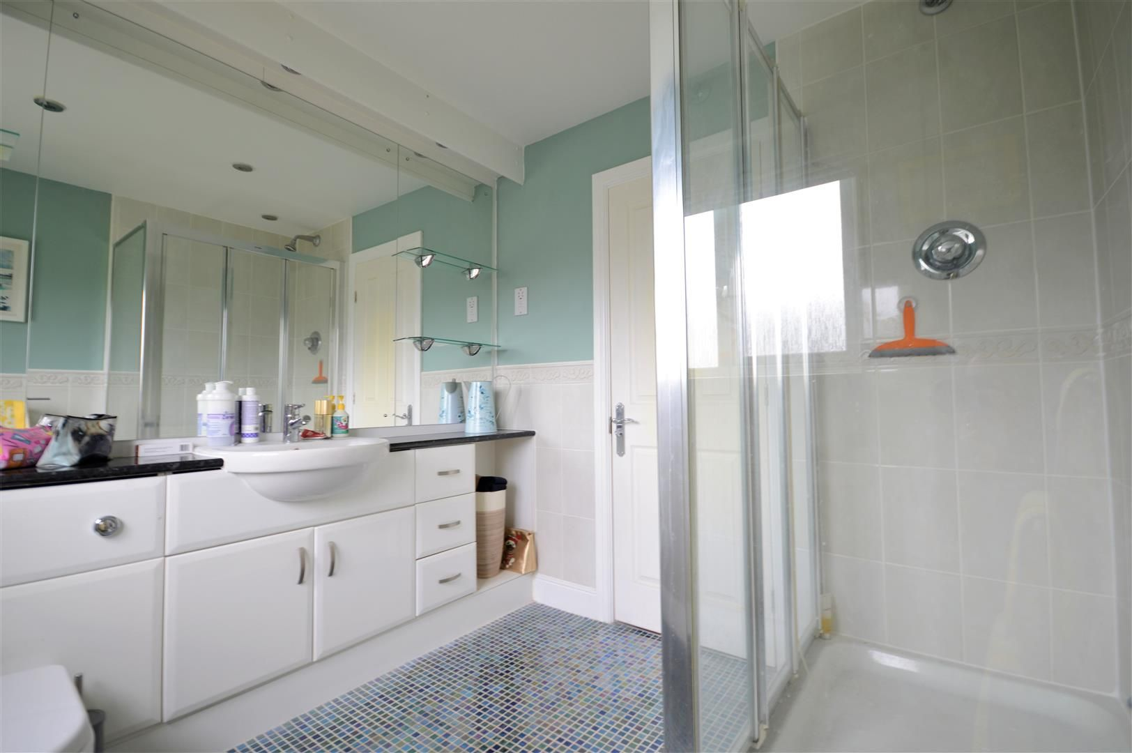 5 bed detached for sale in Kingstone 10