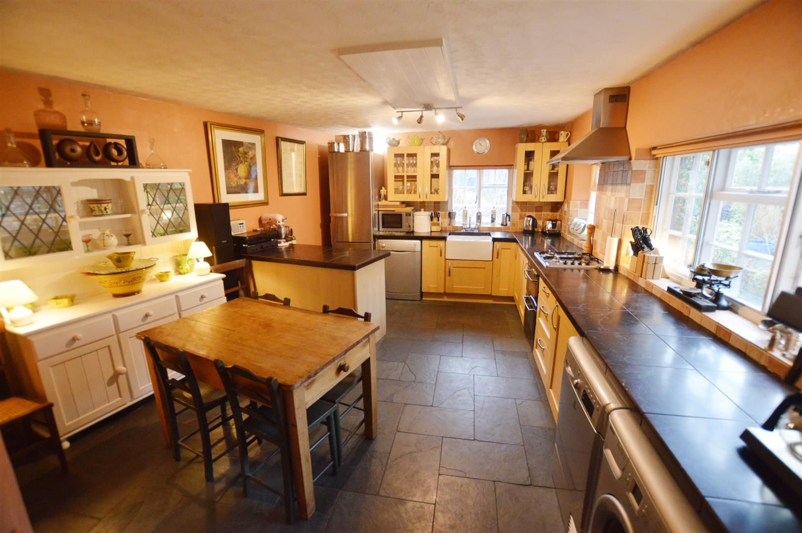 5 bed town-house for sale in Leominster  - Property Image 5